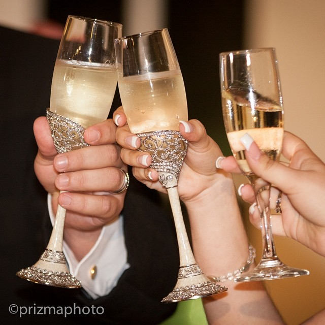 Cheers! It's Friday @prizmaphoto #toast #cheers #wedding #bride #groom #destinationwedding #palmbeach