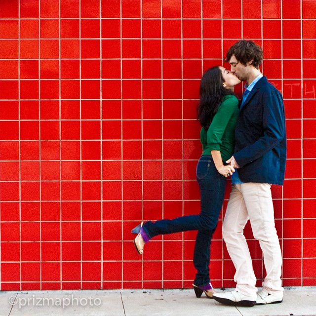 Red is the color of love. @prizmaphoto #love #engagement